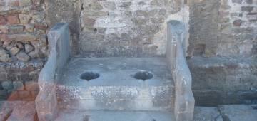 Les toilettes à travers les âges
